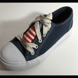 Highland Outfitters Kids Sneakers Size 3 Blue